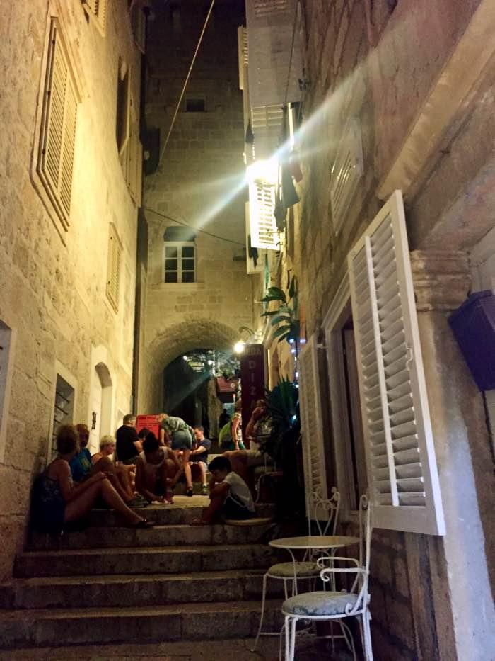 almohadones y vecinos_Fotor