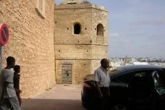 Chofer a la salida de la Casbah en Rabat