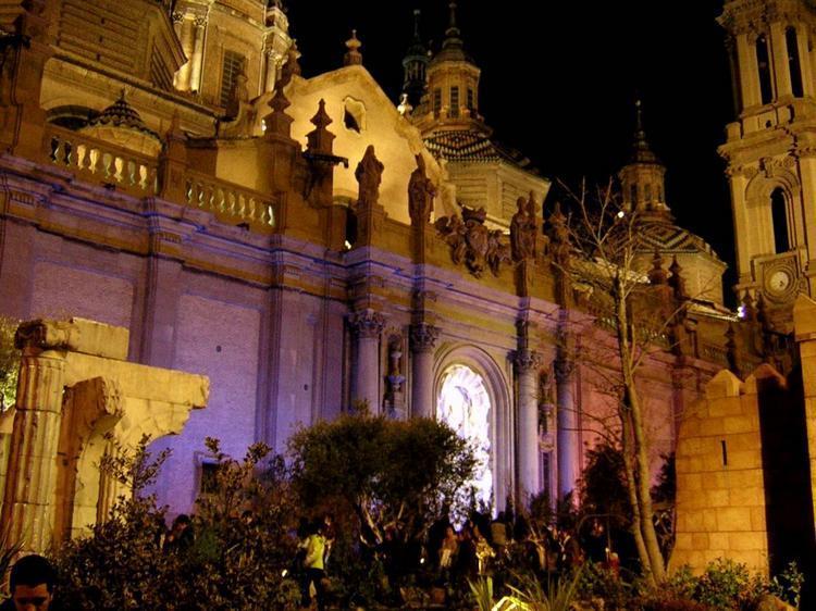 1- Basilica del Pilar, Zaragoza, dic 2008-1_X