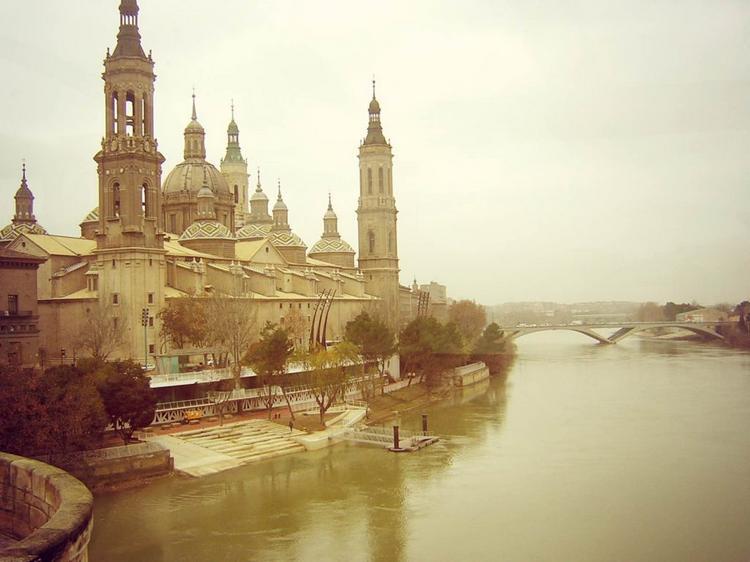 3-Rio Ebro y la Basilica del Pilar_x