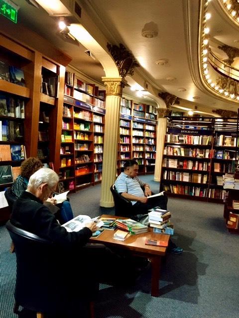 Lectura gratuita en el Ateneo de Buenos Aires